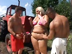 Ssbbw Farmer's Daughter