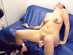 amateur short hair redhead orgasmic power dildo drilling