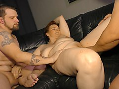 reife swinger - chunky german mature lady in hardcore mmf threesome